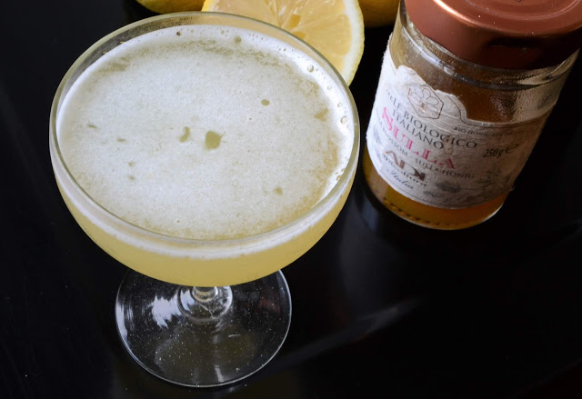 L'Aperitivo: Bee's Knees