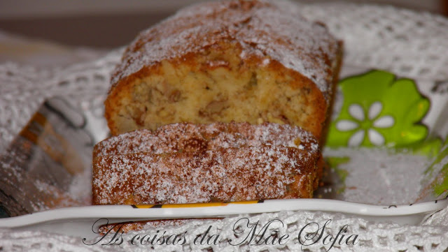 Bolo de maçã e noz / Apple and walnut cake
