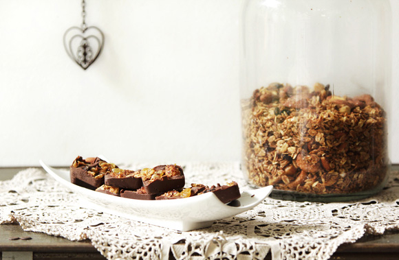 Barrinhas de chocolate com granola