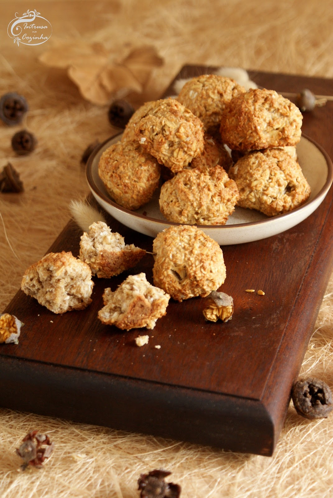 Bolinhos de Coco, Maçã e Aveia {Coconut, Apple and Oatmeal Cookies}