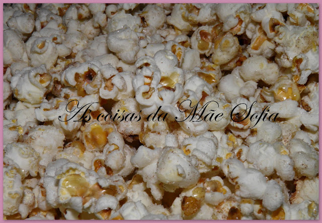 Pipocas com açúcar e canela / Popcorn with sugar and cinnamon